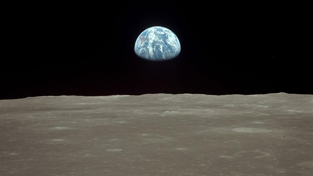 Earthrise – Apollo 11